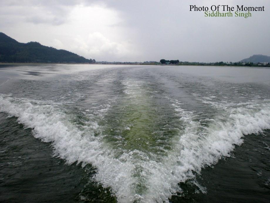 speed boat stream